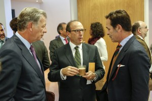 Joaquín Mollinedo (Acciona), Jaime Olmos (KREAB) y Horacio González Alemán (THOFFOOD)