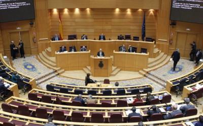 Los viajes de los senadores llevan a letrados de la Cámara a recomendar una regulación